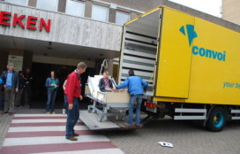 Patiënten Isala in aangepaste verhuiswagens