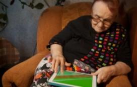 Senioren hebben last van tablet-nek