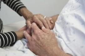 Oudere krijgt thuis onvoldoende zorg
