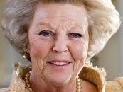 Beatrix opent Alzheimercentrum