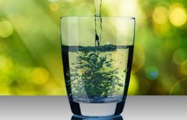 IJsjes en extra water voor ouderen